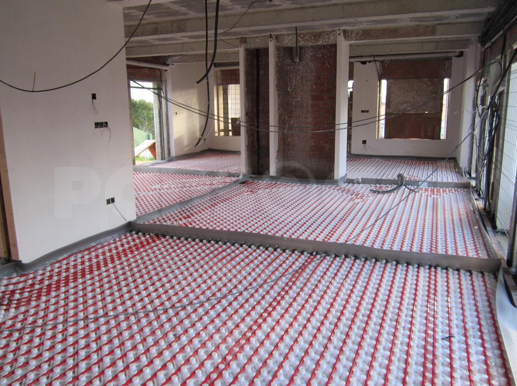 Instalaci n de colectores suelo radiante en galicia - Ventajas suelo radiante ...