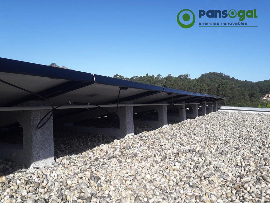 Instalación solar de autoconsumo en vivienda unifamiliar - Pansogal